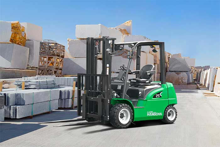 New Product Launch: XC Series Electric Forklift With Li-Ion Power 4.000~7.000lbs